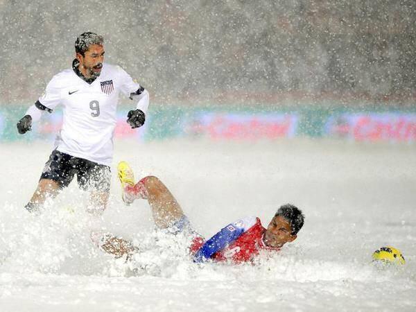 عجیب ترین مسابقه فوتبال (تصاویر)
