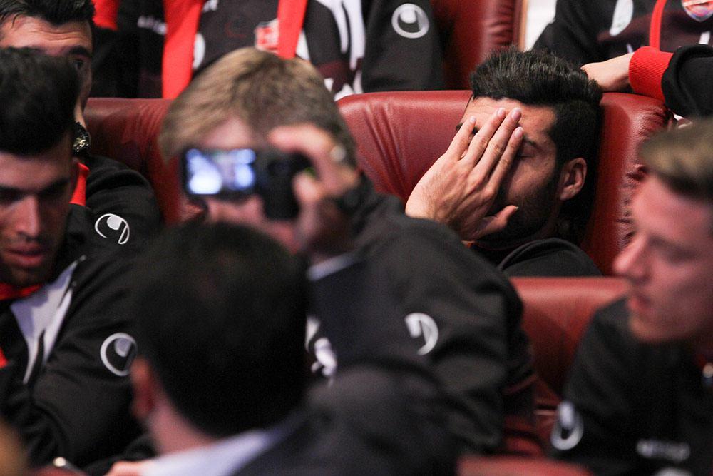 چرت زدن بازیکنان پرسپولیس در مراسم شهردار! (تصاویر)
