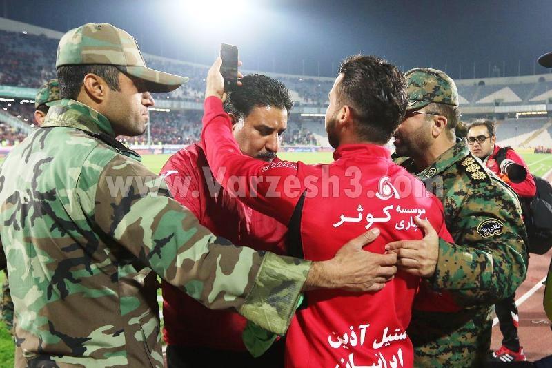 یورش نیروی انتظامی به جشن تک نفره سروش رفیعی (تصویر)