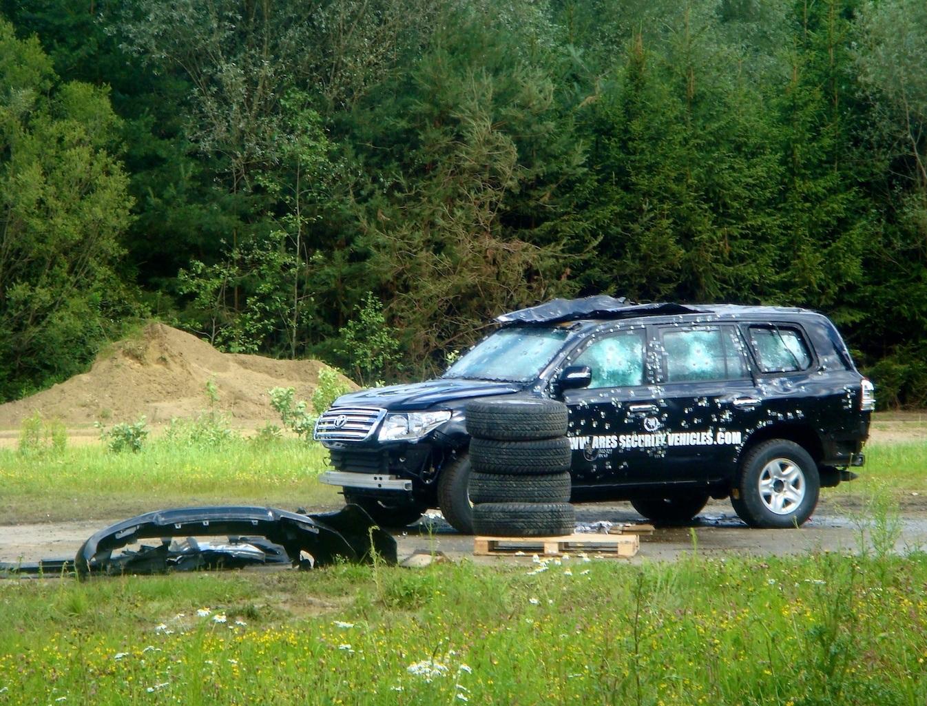 خودروی محافظت از شخصیت ها اینگونه تست می شود (تصاویر و فیلم)