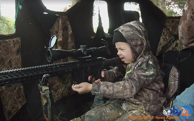 شکار گوزن توسط دختر 7ساله تگزاسی (فیلم و تصاویر)