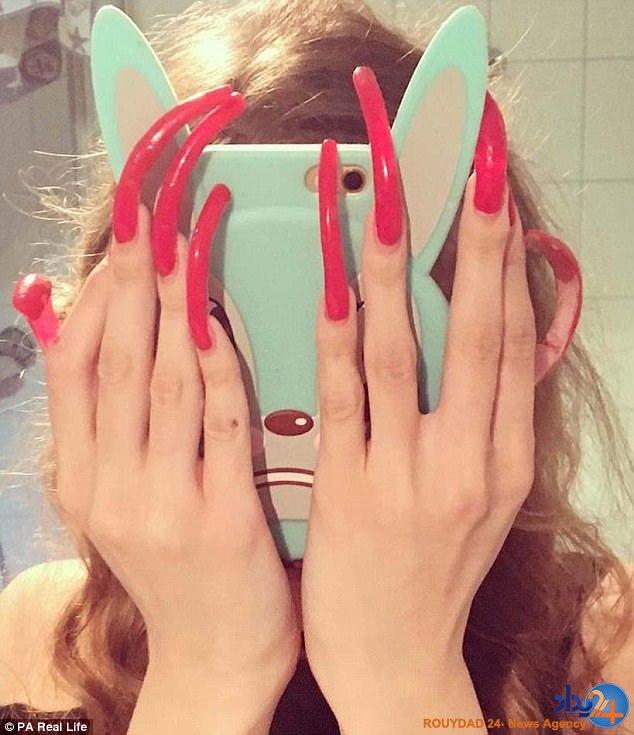 ناخنهای 15 سانتی دختر 16 ساله (تصاویر)