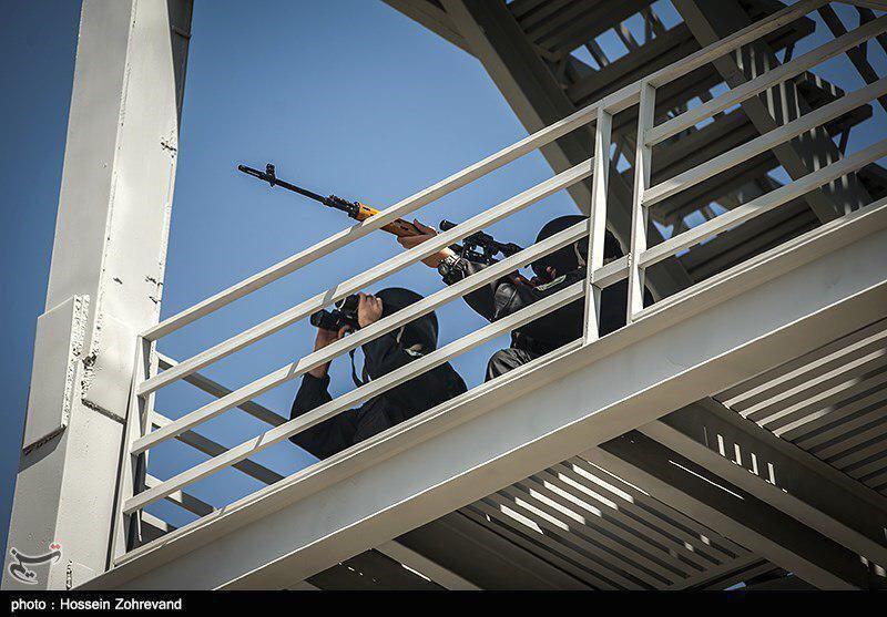 تصاویری از مبارزه با «تروریستها» که مایه افتخار نیستند