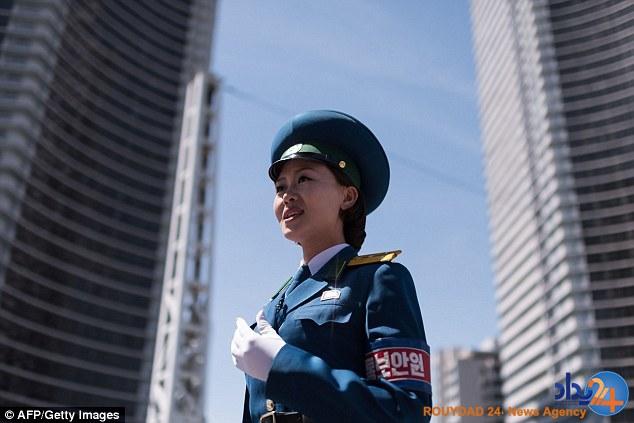 دختران زیبا و زیر 26 سال مأموران راهنمایی و رانندگی پیونگیانگ (تصاویر)