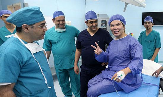 سلطان جراحی زیبایی جهان برای ۷ عمل دیگر به ایران آمد +عکس