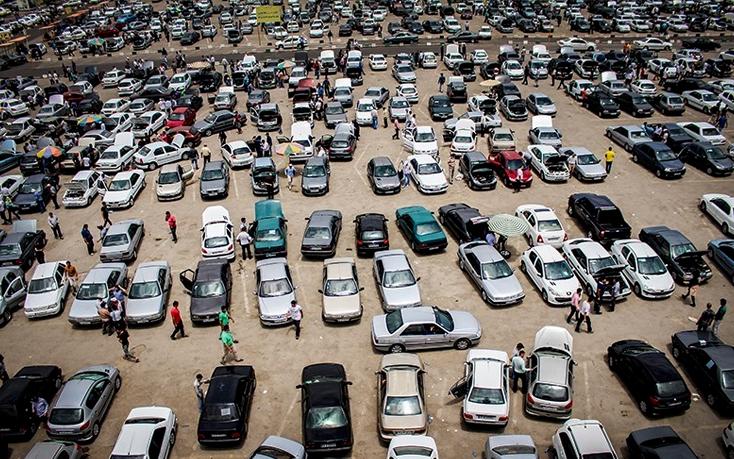 حباب ۳۰ درصدی قیمت خودرو/ کاهش تولید در سال اینده