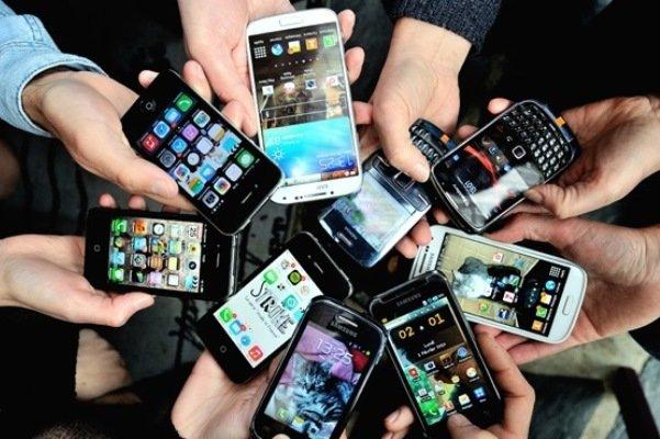 تکلیف نرخ ارز برای واردات گوشی تا دو هفته آینده مشخص می شود