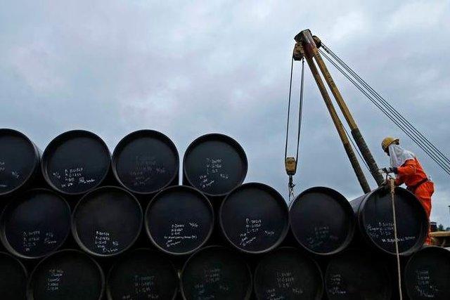 رویترز: هند خرید نفت از آمریکا را 2 برابر کرد/ کاهش 16 درصدی خرید از ایران