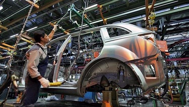 سرنوشت خودروسازی ایران پس از تحریمهای جدید/ ال 90 و ساندرو تا پایان سال مونتاژ میشوند