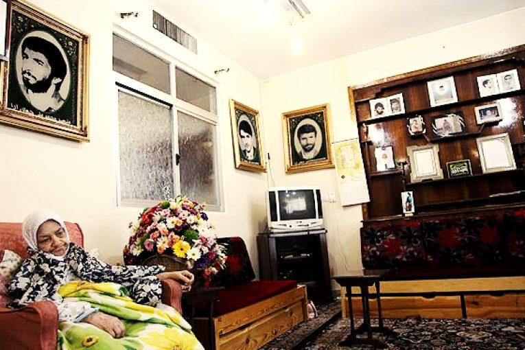 خویشاوندان چهرههای نظام در گروههای اپوزیسیون/ آیا مورد برادر پیروز حناچی در جمهوری اسلامی استثناء است؟