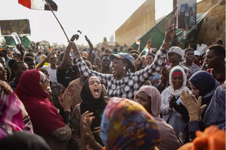 در سودان چه میگذرد؟ / جایگزینی یک دزد به جای دیکتاتور قبلی!