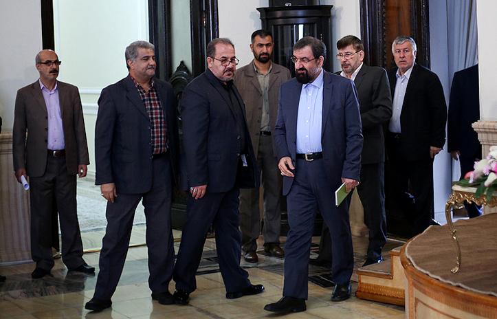 حزب توسعه و عدالت یا بنگاه کاریابی در مجمع برای ستاد حاج محسن