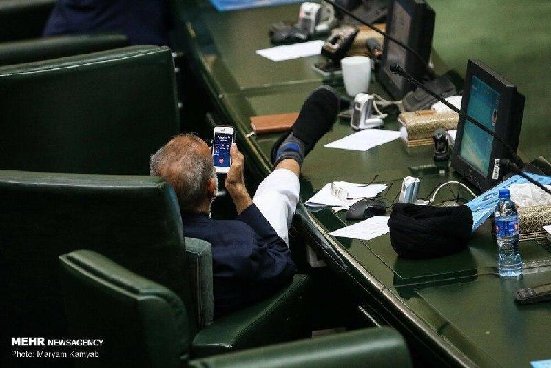 واکنش ذوالقدر به عکس حاشیهسازش در مجلس/ من نبودم!