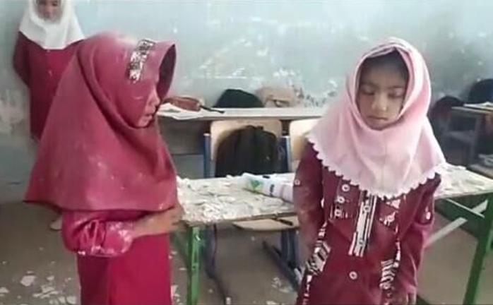 ناگفتههایی از تخریب مدرسه در میناب/ گفتند هزینه کانکس زیاد است/ دانشآموزان قربانی بیپولی آموزش و پرورش
