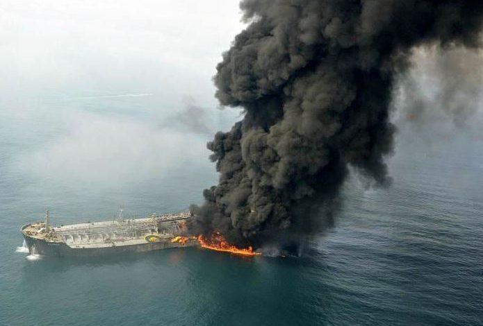 دور زدن تنگه هرمز و توطئه علیه اقتصاد ایران با چه مخاطراتی روبروست؟ / انفجار الفجیره چه تاثیری بر بازارهای انرژی و نفت داشت؟