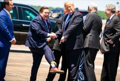 جنگ توئیتری نخبگان دیپلماسی آمریکا علیه دولتشان/ هشدار ریچارد هاس به ترامپ: جنگ، تهران را قویتر میکند