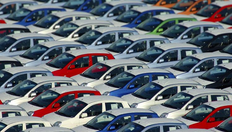 قیمت خودرو در مدار نزولی/ کاهش تقاضا در بازار خودرو