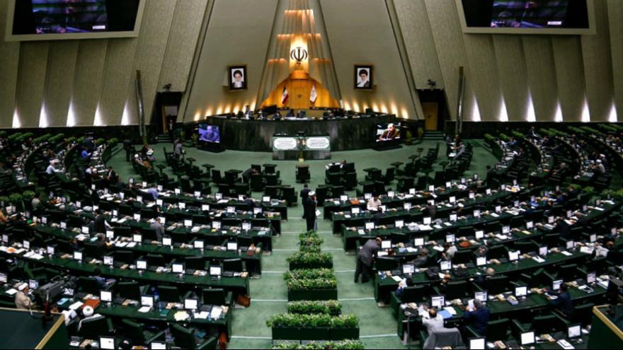معامله بر سر صندلیهای سبز پارلمان/ خطر کمرنگ شدن «هویت سیاسی» در  در انتخابات مجلس