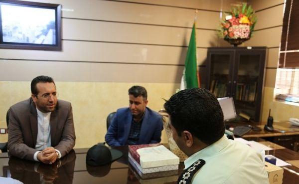 عباس ملک زاده شهردار صدرا کیست +عکس