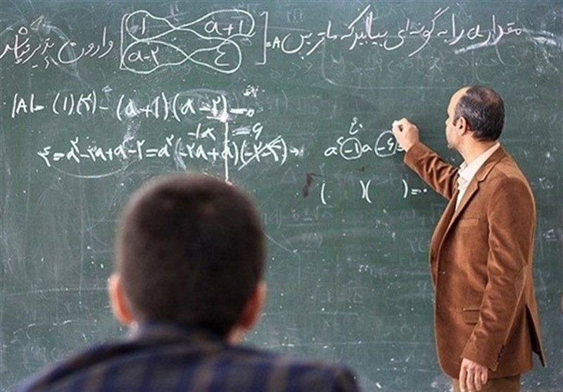 گره کور سیاست بر مطالبات معلمان/ تاثیراجرای طرح رتبهبندی بر معاش معلمانی که زیر خط فقر زندگی میکنند