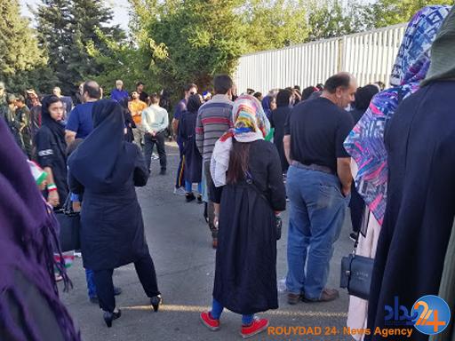 ادامه دار شدن انتظار زنان برای لمس آزادی/ چرا با وجود فروش بلیت برای مسابقه والیبال، بانوان از ورود به ورزشگاه منع شدند؟
