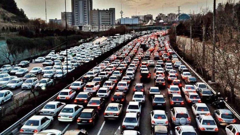 تردد خودروهای پلاک شهرستان باید محدود شود