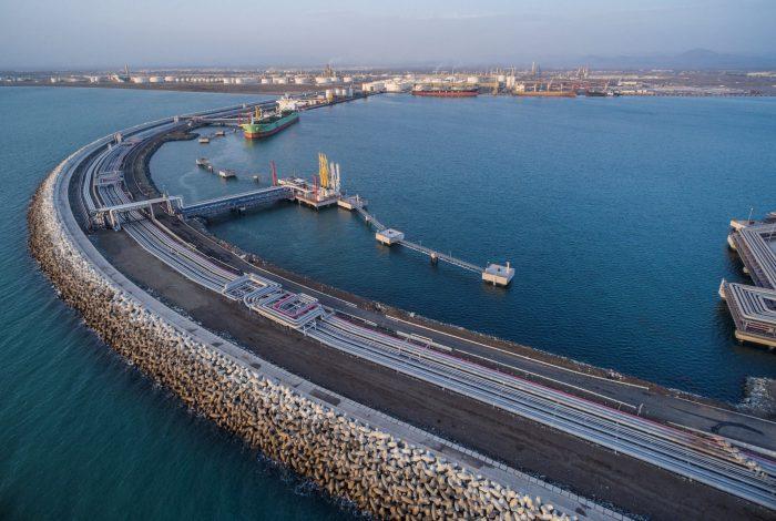 مناطق آزاد عمان چگونه سرمایهگذار خارجی جذب میکنند؟