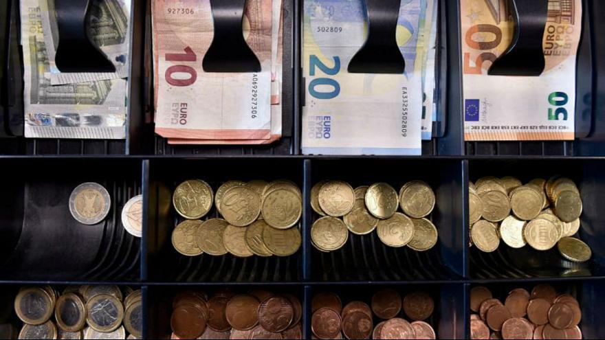 آیا دریافت مالیات از خریدارن سکه و ارز شدنی است؟