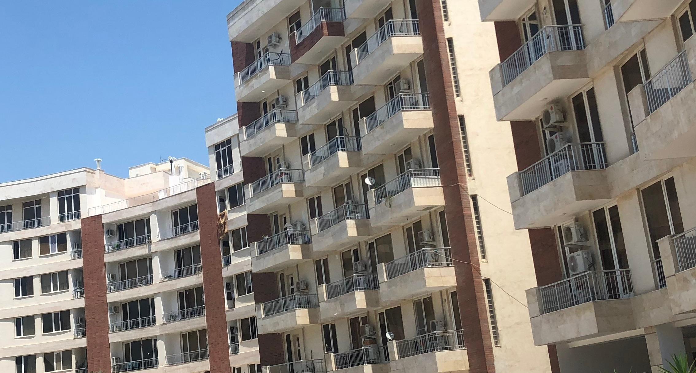 ساخت خانههای نقلی در دو منطقه تهران/ آیا مشکل افراد فاقد مسکن حل میشود؟