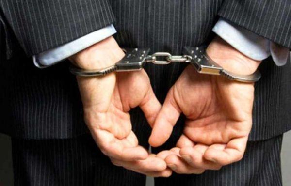 شهردار و یک عضو شورای شهر رودهن دستگیر شدند