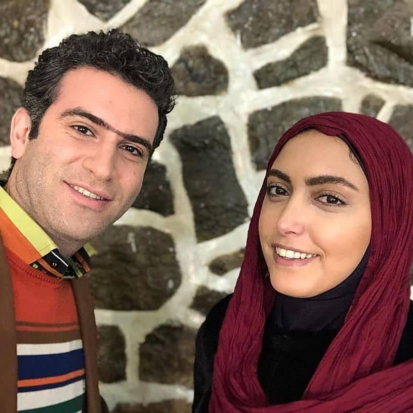 کشف حجاب و لباس خانم بازیگر سریال لیسانسیهها / خداحافظی ساناز طاری از ایران + عکسها