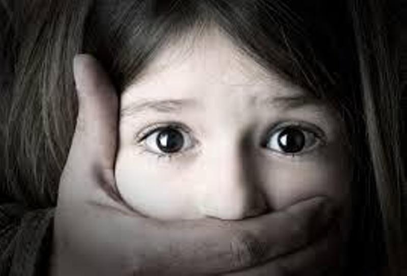 تجاوز به شیرخوار 17 ماهه توسط پدر